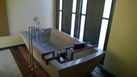 Anantara Lawana Koh Samui Resort : Nice bathroom