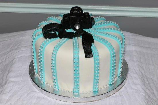 Awe Inspiring Camera Birthday Cake Picture Of Cakes The Difference Brighton Funny Birthday Cards Online Benoljebrpdamsfinfo