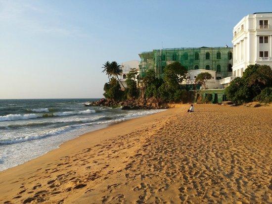 Mount Lavinia Hotel: Beach