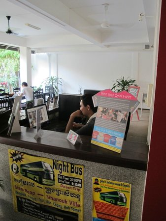 The Siem Reap Hostel: Free internet, wifi and 3 PC's for common use.