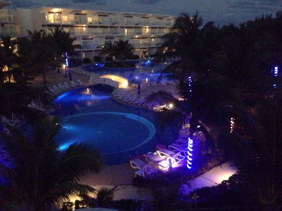 Azul Beach Resort Riviera Cancun: Night view from our room