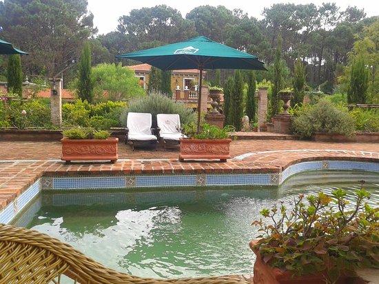Villa Toscana Boutique Hotel : Pátio - magnífico !