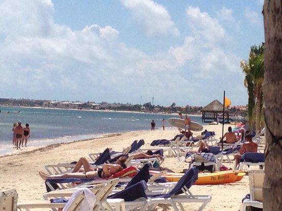Azul Beach Resort Riviera Cancun: The beach