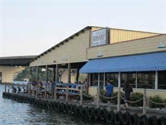 Fisherman's Wharf : Lakeside Dining on Lake Hamilton