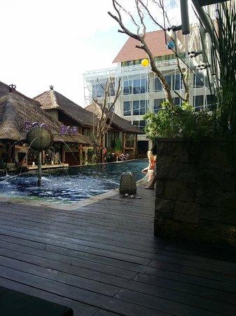 Grand Mega Resort & Spa : 5pm, heading to Nusa Dua.