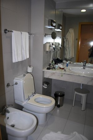 baño hotel mundial
