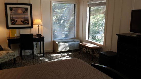 Saint Simons Inn by the Lighthouse: Room 200