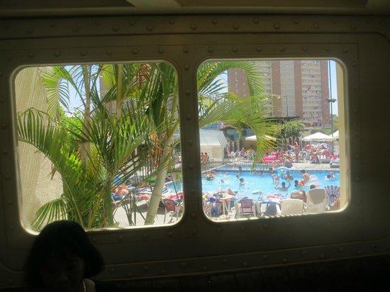 Hotel Ambassador Playa: Pool and entertainment