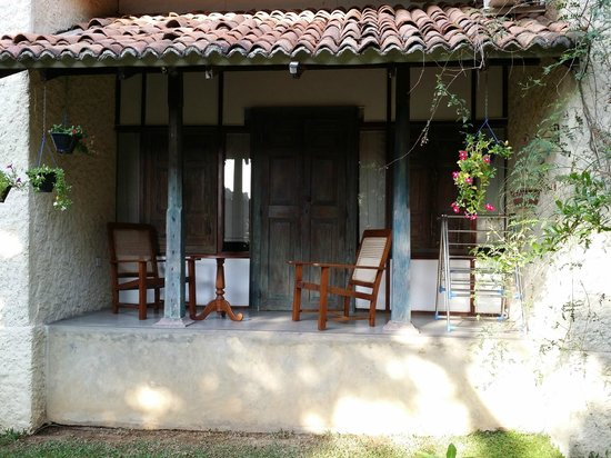 Bangalawa: back verandah