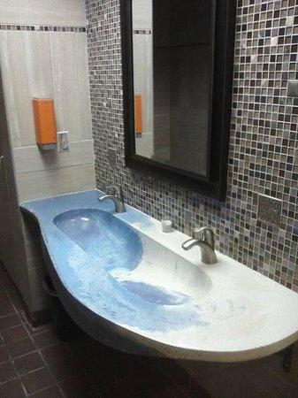 Flip Flops: Nice Clean Restroom (cool sink)