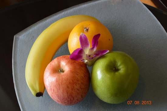 Beach Rotana - Abu Dhabi: Fruit Basket