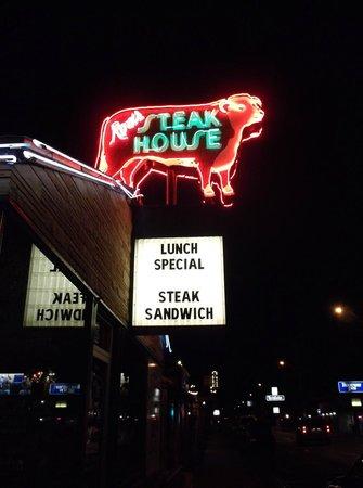 Rod's Steak House : Rod's Outdoor Sign