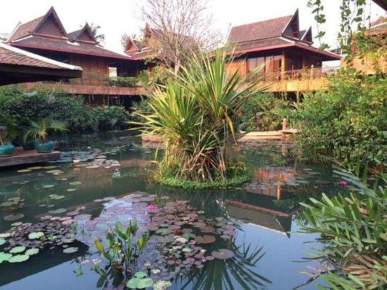 Angkor Village Hotel: Khmer house design