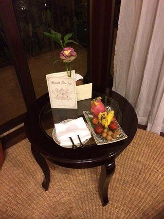 Angkor Village Hotel: Welcome fruit plate