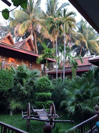 Angkor Village Hotel: Surrounded with greenery