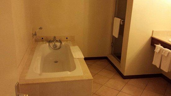Canonnier Beachcomber Golf Resort & Spa: Salle de bain