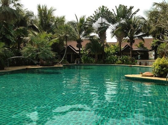 Laluna Hotel and Resort: Pool