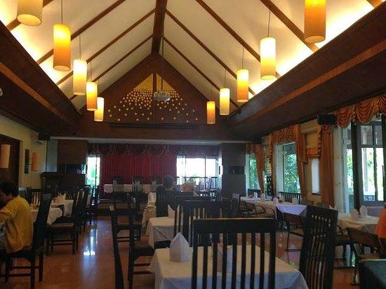 Laluna Hotel and Resort : Breakfast