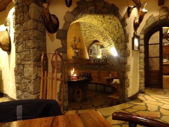 Hotel Ciria: Zona con chimenea para tomar una copa
