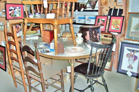 Bama Flea Mall & Antique Center: Dealer 206 Aisle 1