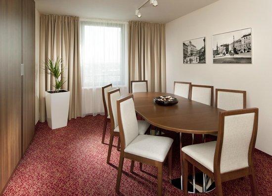 Clarion Congress Hotel Olomouc: Suite meeting room