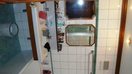 Alpenhotel Perner: Salle de bains chambre 129