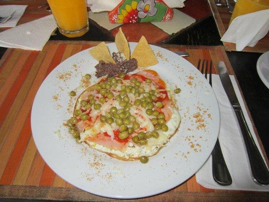 Beachfront Hotel La Palapa: Para empezar el día que mejor que deayunar bien...huevos motuleños