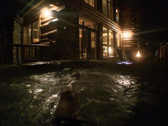 The Bivvi Hostel: The hot tub
