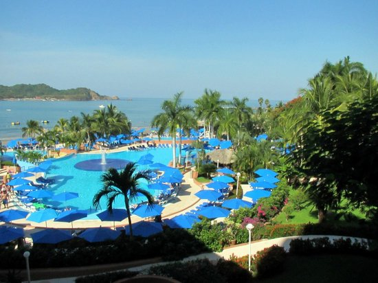 Azul Ixtapa Beach Resort & Convention Center: Family Pool