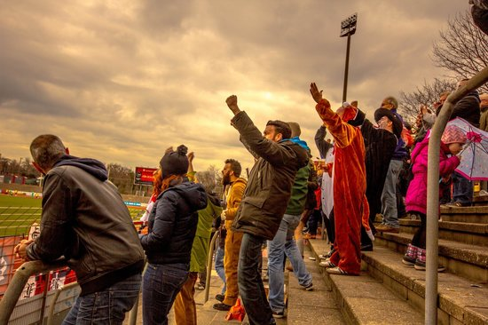 Stadionhopper Mark Mauderer: Emotionale Fußballtrips in NRW für Fußballfreunde.