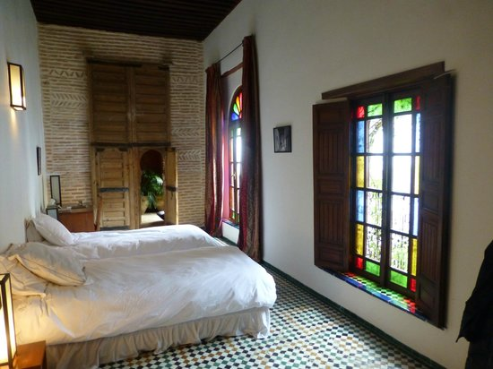 Riad Laaroussa Hotel and Spa : Red room