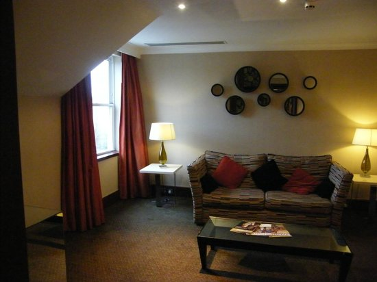 The Cheltenham Chase Hotel - A QHotel : Lounge area of the suite
