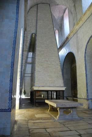 Monastery of Alcobaça : L'immense cheminée