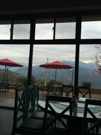 Yunwulou B&B: view from the dining area