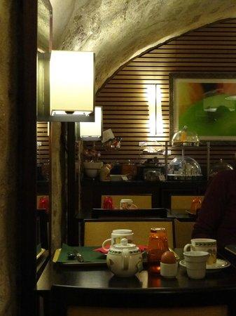BEST WESTERN Hotel Folkestone Opera : Salle petit déjeuner