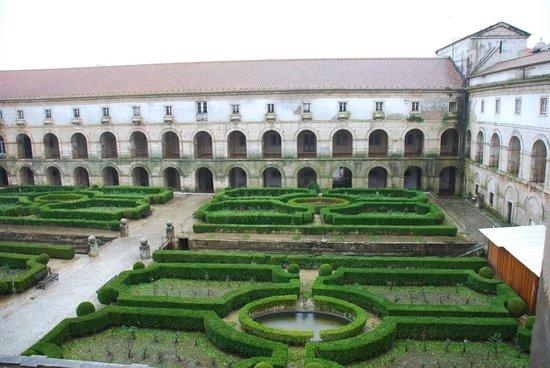 Monastery of Alcobaça : La cour du cloître