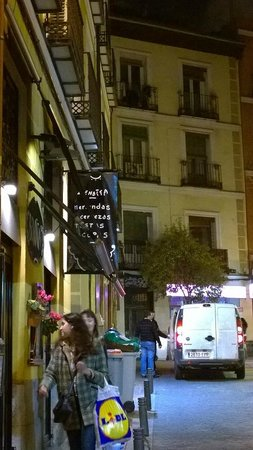 Private Madrid Museum Tours: Madrid charming street