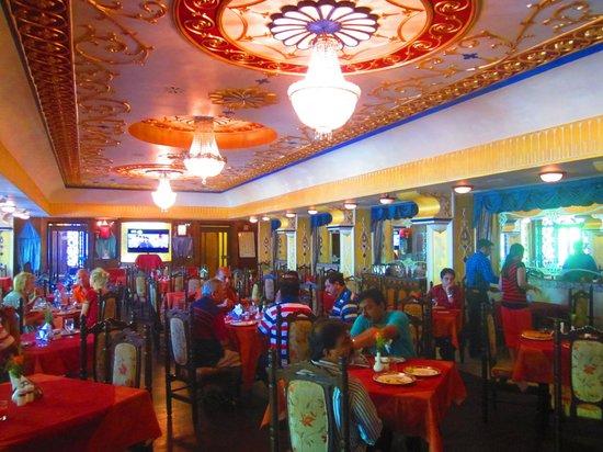 Hotel Mandovi: Restaurant at Hotal mandovi