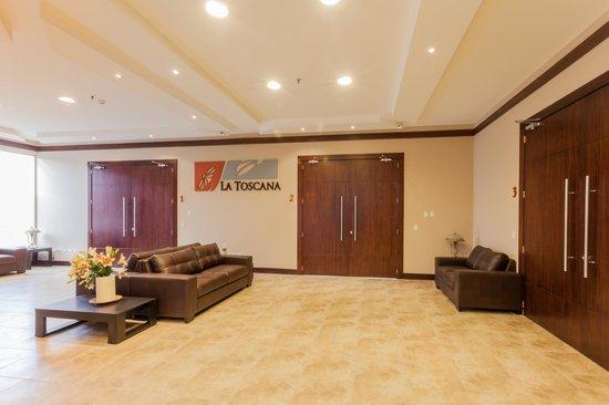 Barnard Hotel: LOBBY INGRESO SALON DE EVENTOS LA TOSCANA