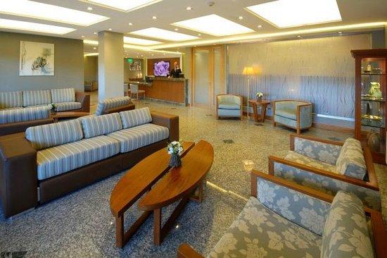 Hotel Navegantes III: Lobby