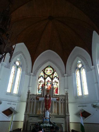 San Thome Church : San Thome Basilica, inside view