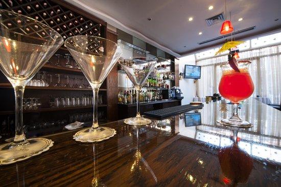 Bistro La Saveur: le Bar du Bistrot