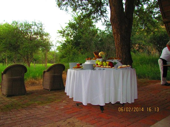 Kapama Southern Camp: High tea snacks before we went out on game drives