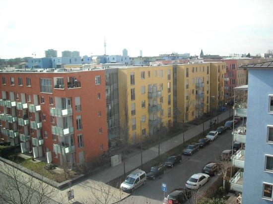 Suite Novotel München Parkstadt Schwabing : View to suburbs