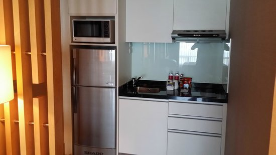 Sukhumvit 12 Bangkok Hotel & Suites : Kitchenette in Studio