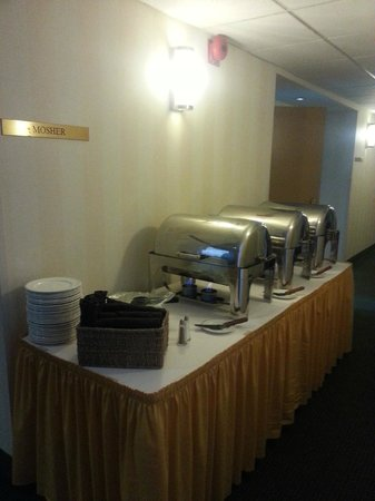 Ramada Plaza Dartmouth Park Place : Lunch served outside Mosher room