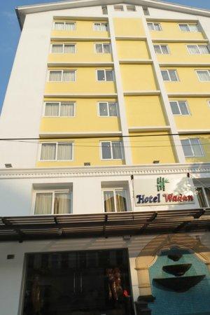 Hotel Wardan: Exterior