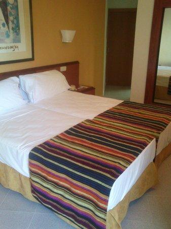 Sol by Melia Katmandu Park & Resort: Мой номер.Кстати,кровать шикарная,очень жалела,что провожу на ней так мало времени)))