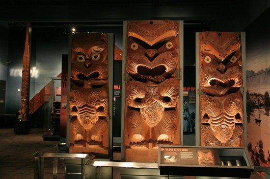 Rotorua Museum : Maori carvings
