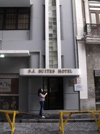 S.J. Suites : Hotel front 1